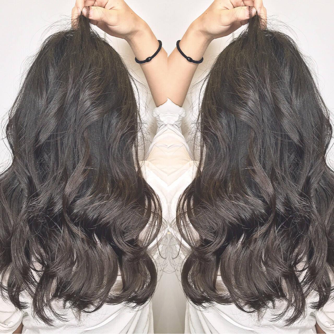 ロング リラックス 女子会 オフィスヘアスタイルや髪型の写真・画像