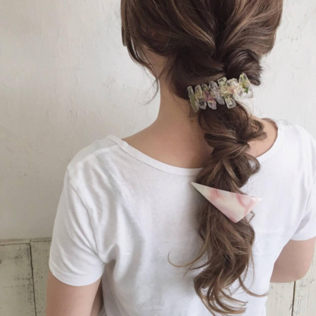 ロング ゆるふわ イルミナカラー フェミニンヘアスタイルや髪型の写真・画像