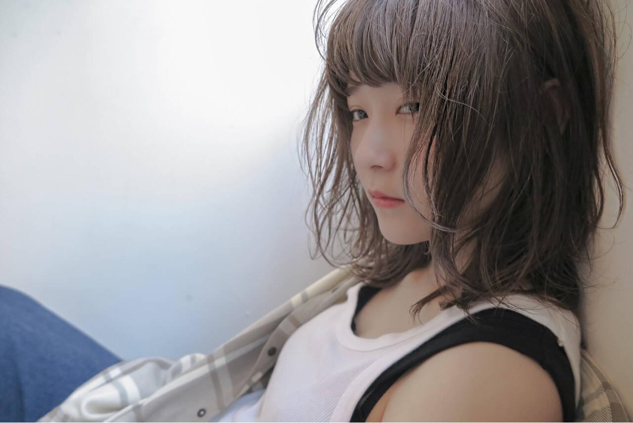 ブリーチ 外国人風 ストリート ミディアムヘアスタイルや髪型の写真・画像
