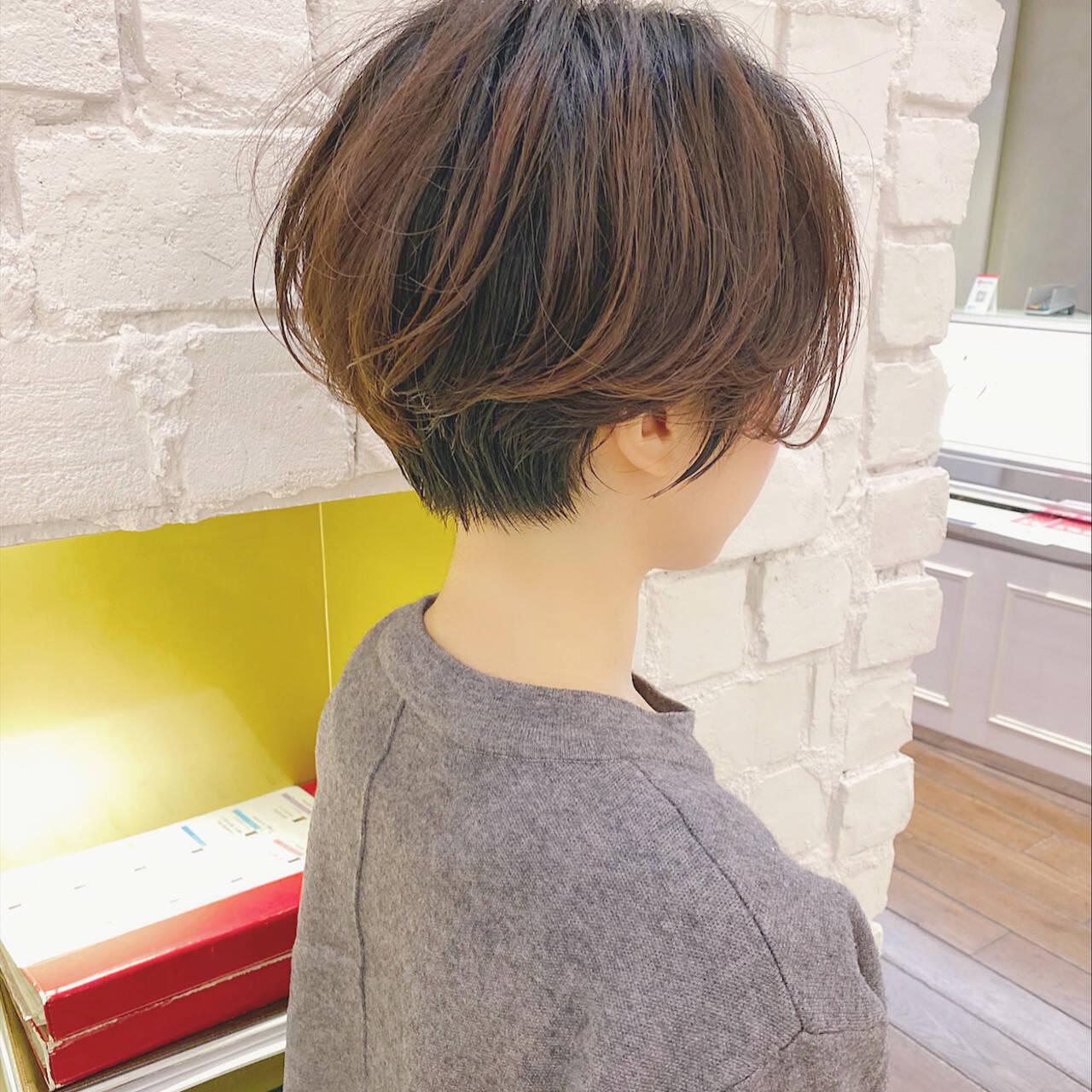 ショート ベリーショート ショートボブ ナチュラルヘアスタイルや髪型の写真・画像