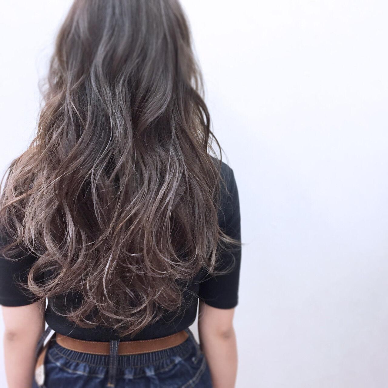 ハイトーン アンニュイ ロング フェミニンヘアスタイルや髪型の写真・画像
