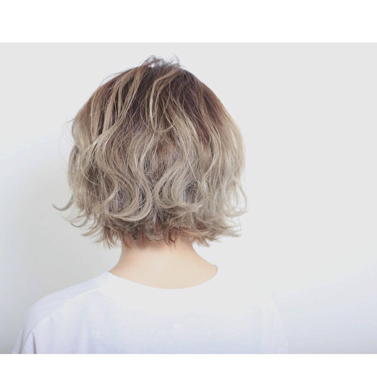 春 ショート ストリート グラデーションカラーヘアスタイルや髪型の写真・画像