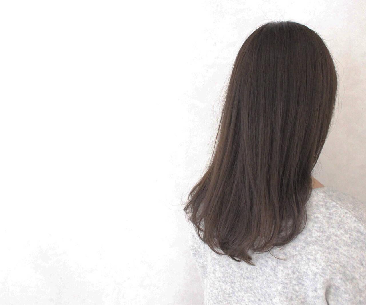 ナチュラル アッシュ 透明感 ロングヘアスタイルや髪型の写真・画像