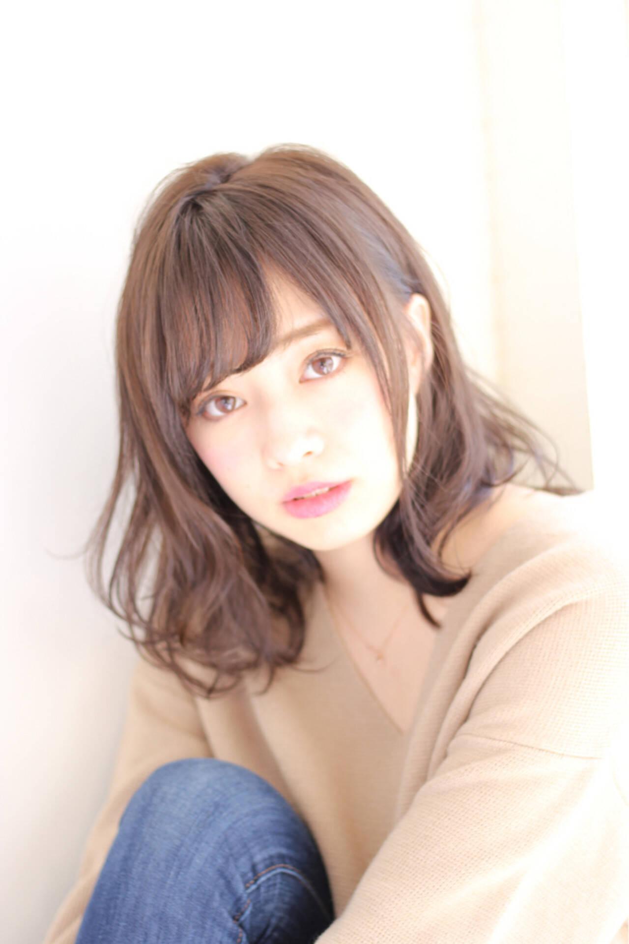 ミディアム フェミニン 色気 デジタルパーマヘアスタイルや髪型の写真・画像