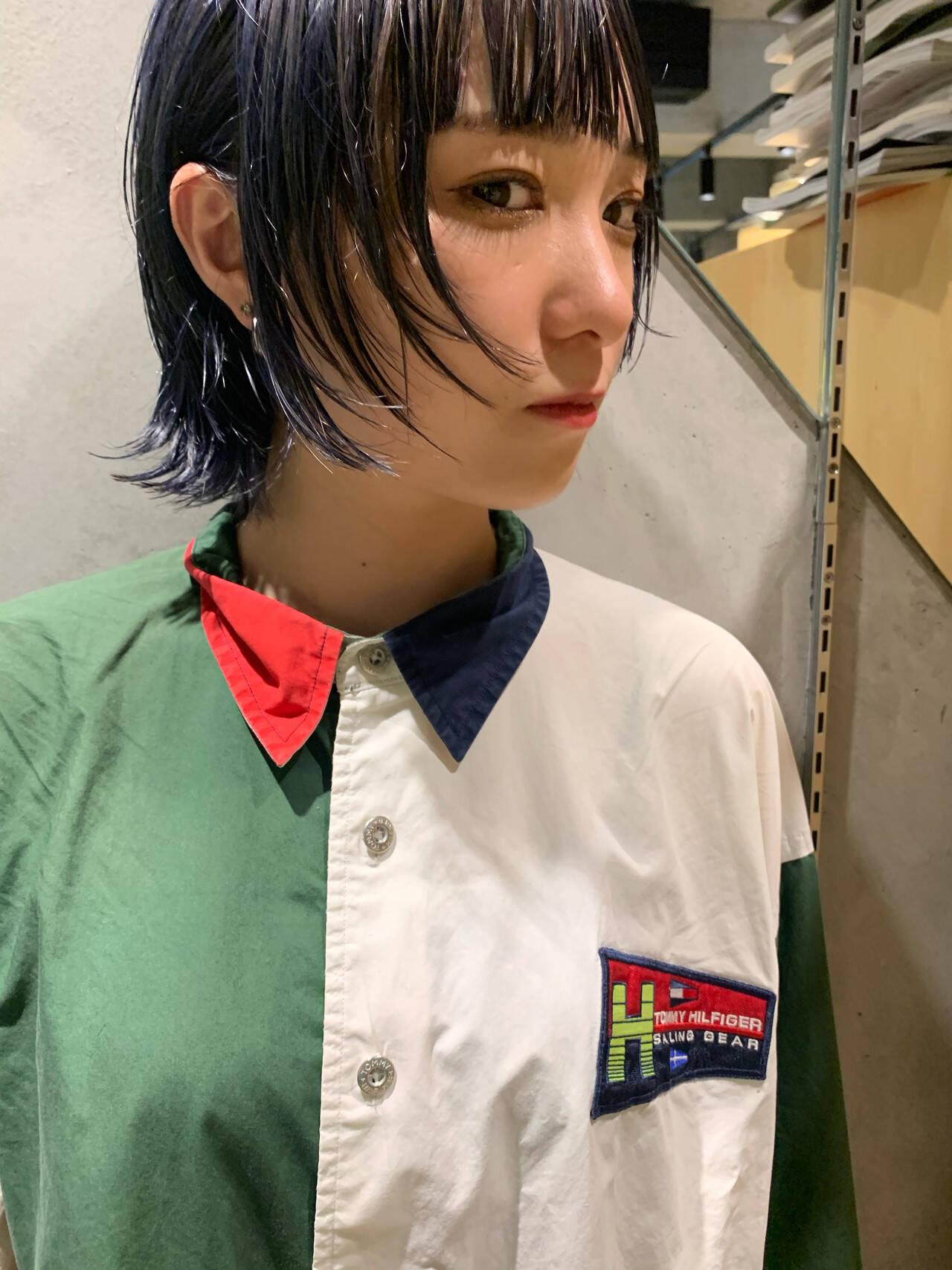 ショートボブ インナーカラー モード ウルフカットヘアスタイルや髪型の写真・画像