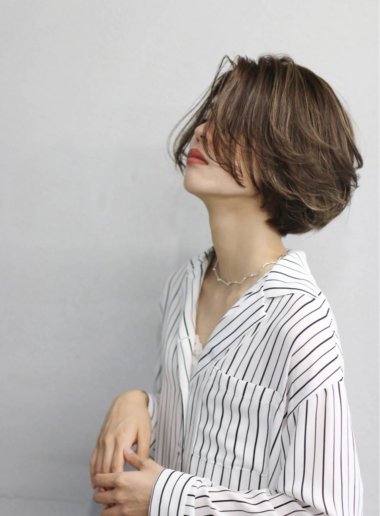 ハイライト 簡単 切りっぱなし ワンレングスヘアスタイルや髪型の写真・画像