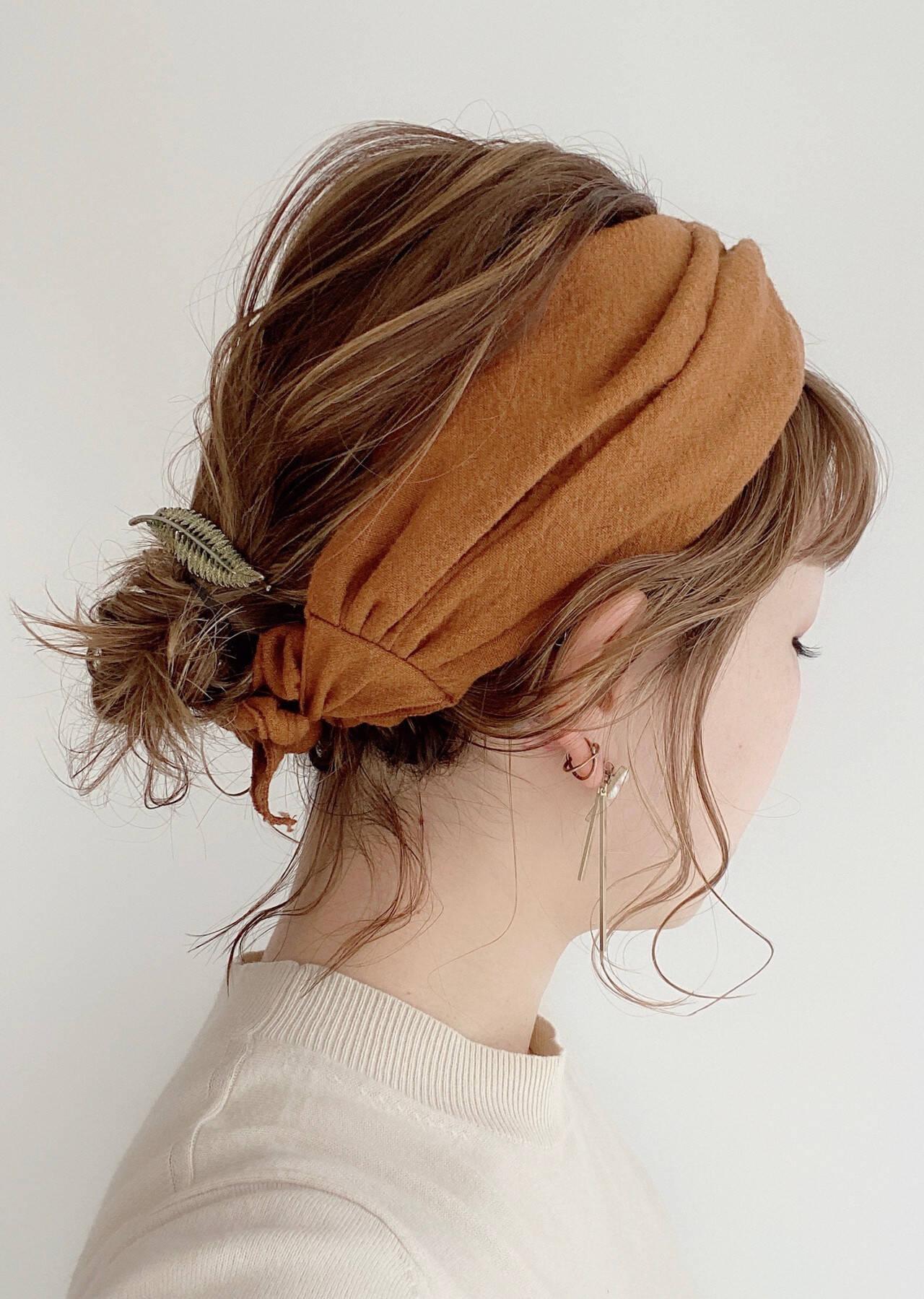 簡単ヘアアレンジ ヘアアレンジ ミディアム ナチュラルヘアスタイルや髪型の写真・画像