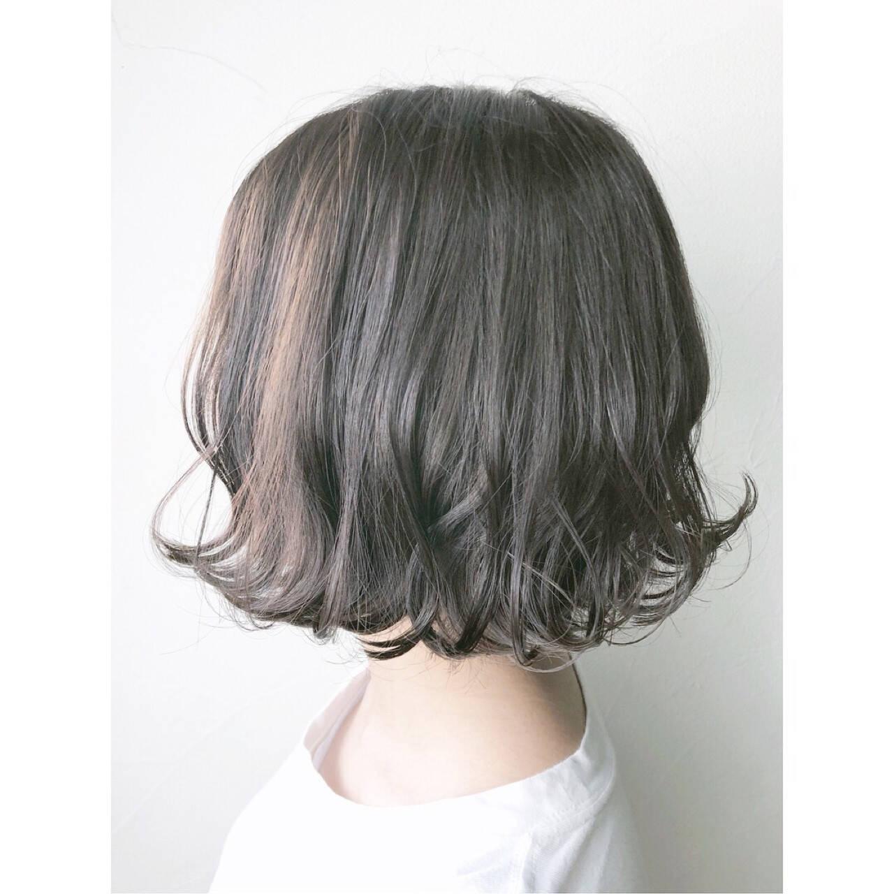 外ハネ ナチュラル イルミナカラー 透明感ヘアスタイルや髪型の写真・画像