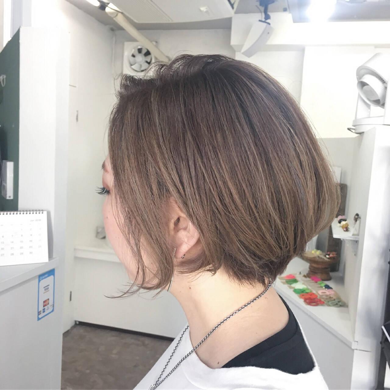 大人女子 ハイライト ショート ボブヘアスタイルや髪型の写真・画像