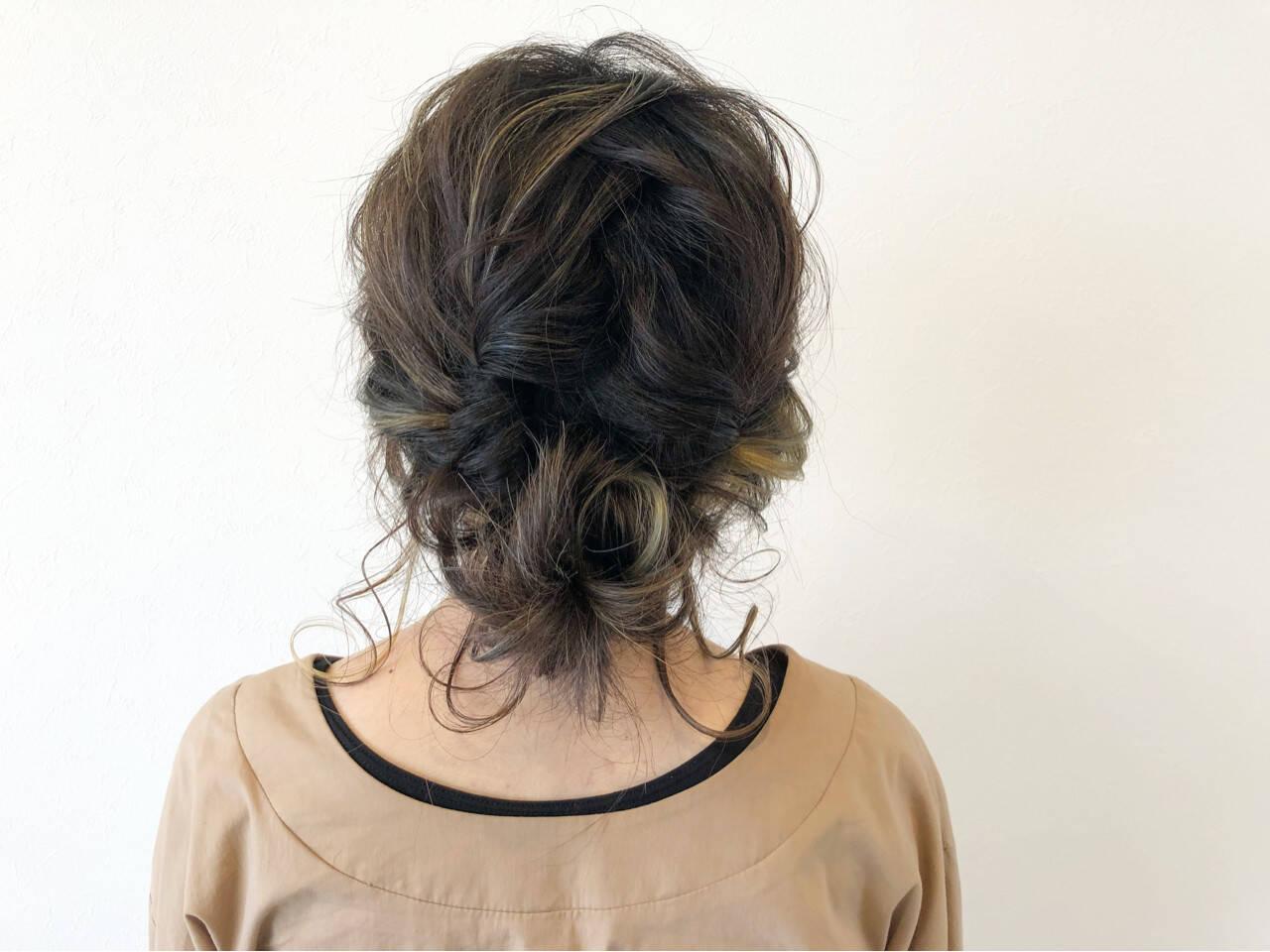 編み込み ヘアアレンジ ミディアム ナチュラルヘアスタイルや髪型の写真・画像