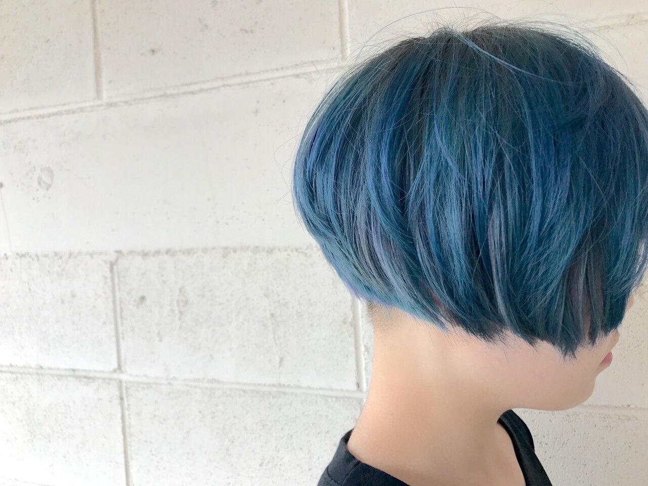 ショート ブルー モード 刈り上げヘアスタイルや髪型の写真・画像