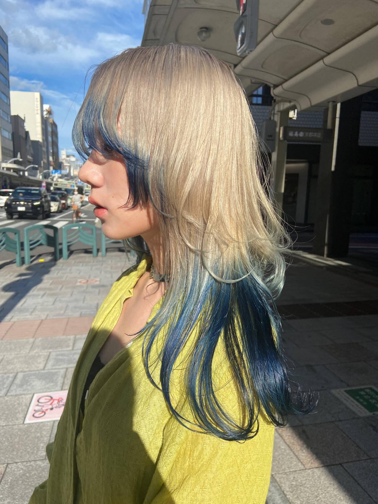セミロング ホワイトブリーチ ニュアンスウルフ モードヘアスタイルや髪型の写真・画像