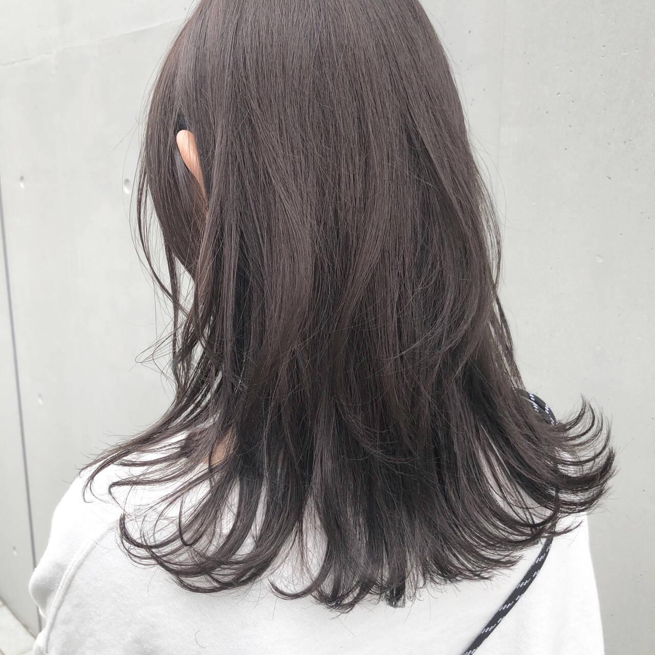 ミディアム ブルージュ グレージュ ナチュラルヘアスタイルや髪型の写真・画像
