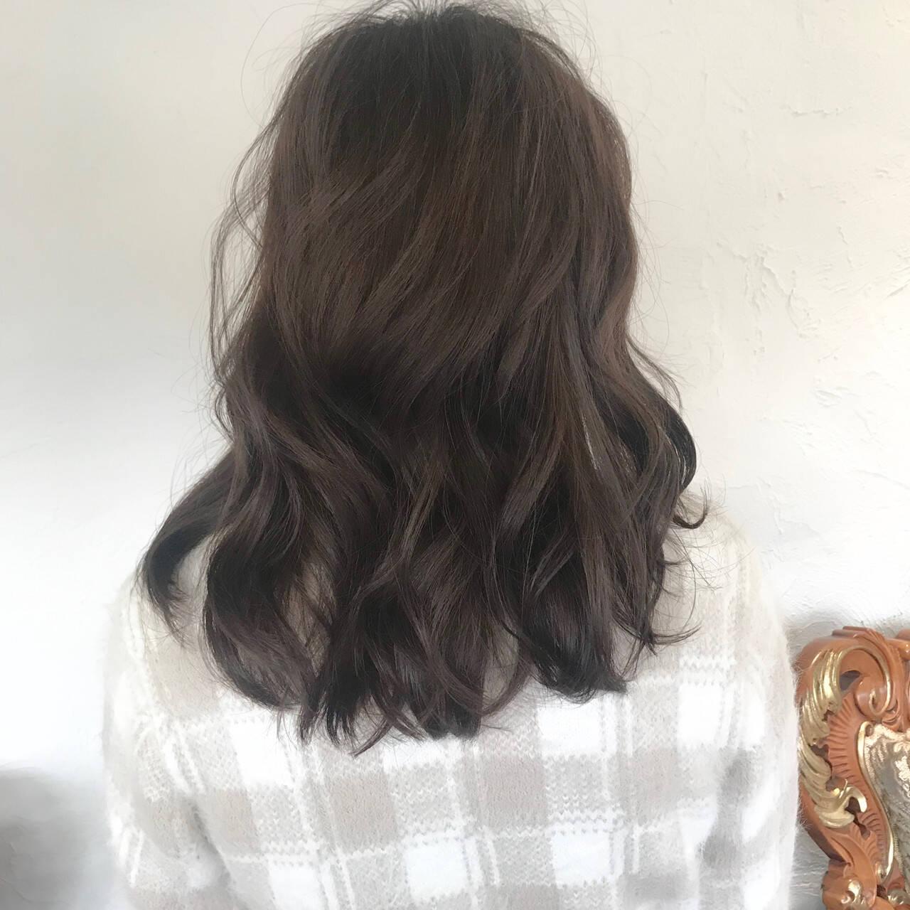 セミロング アンニュイほつれヘア ナチュラル 外国人風カラーヘアスタイルや髪型の写真・画像