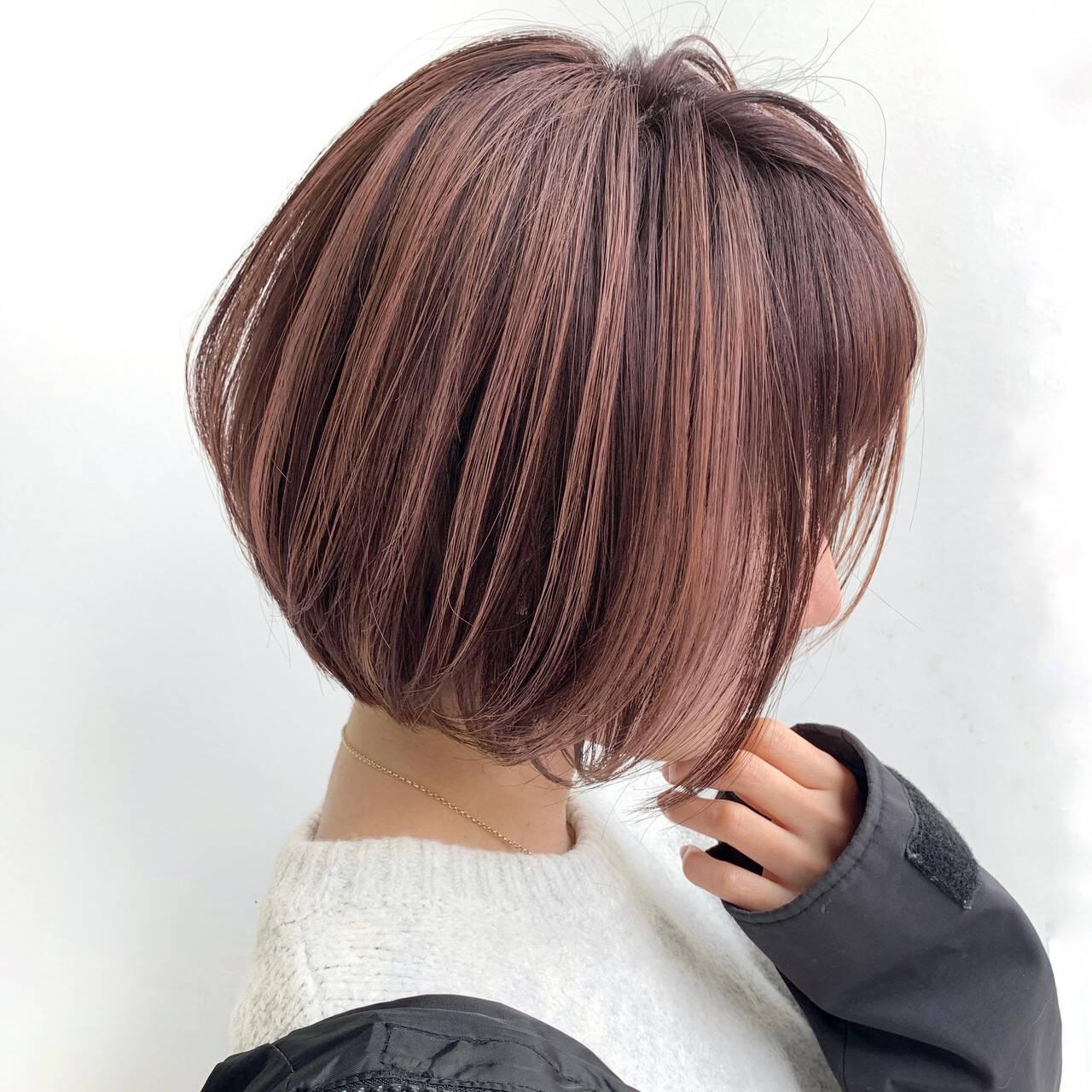 ナチュラル 大人ハイライト ピンクベージュ ショートヘアスタイルや髪型の写真・画像