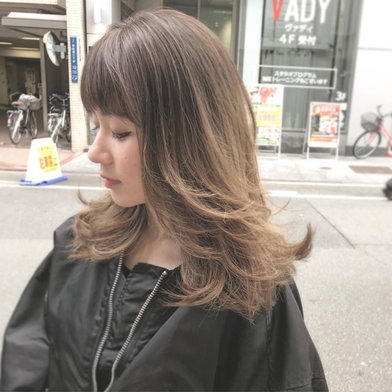 外国人風 デート ロング 外ハネヘアスタイルや髪型の写真・画像