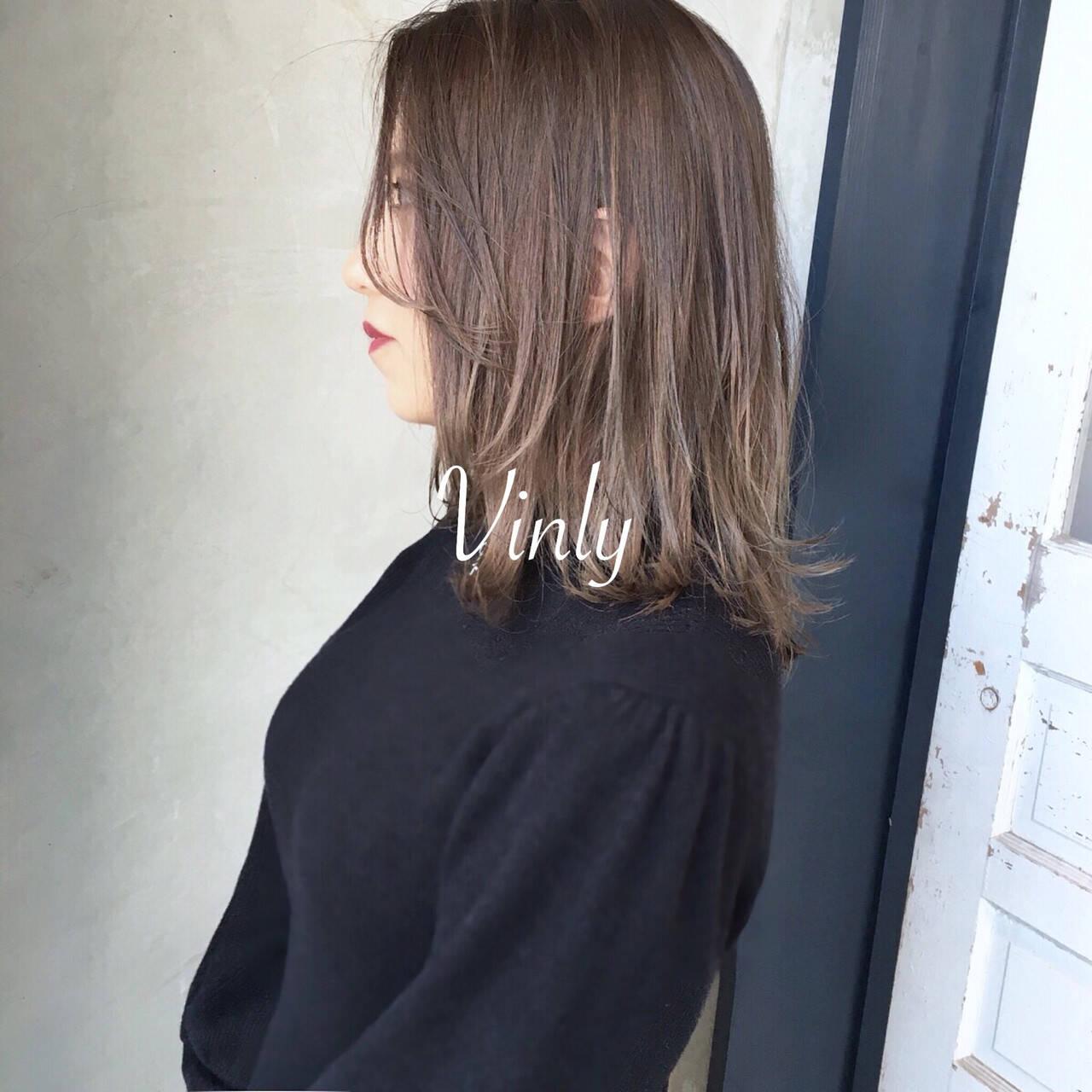 簡単ヘアアレンジ ナチュラル デート オフィスヘアスタイルや髪型の写真・画像
