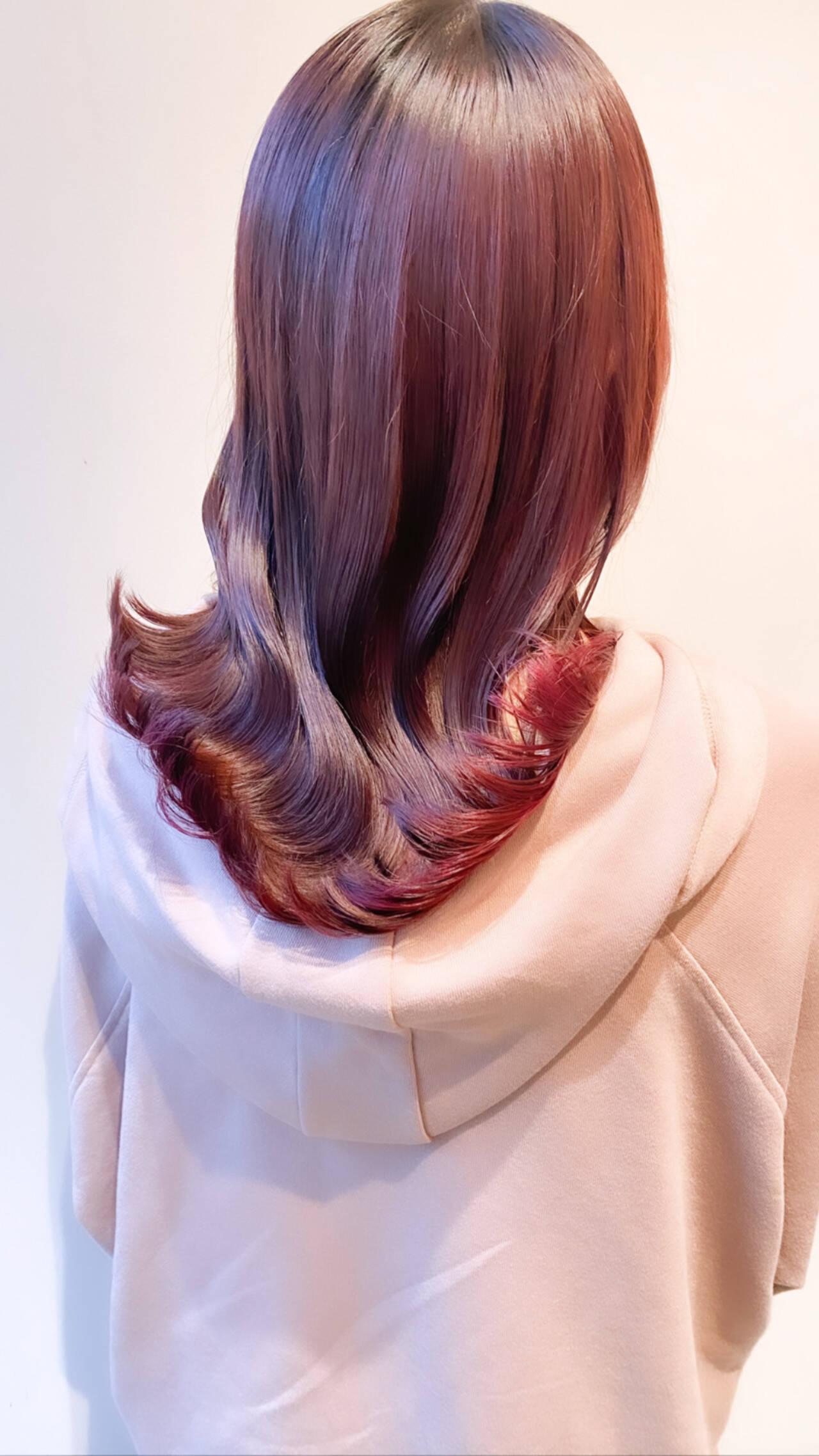 セミロング ナチュラル ピンクベージュ ピンクアッシュヘアスタイルや髪型の写真・画像