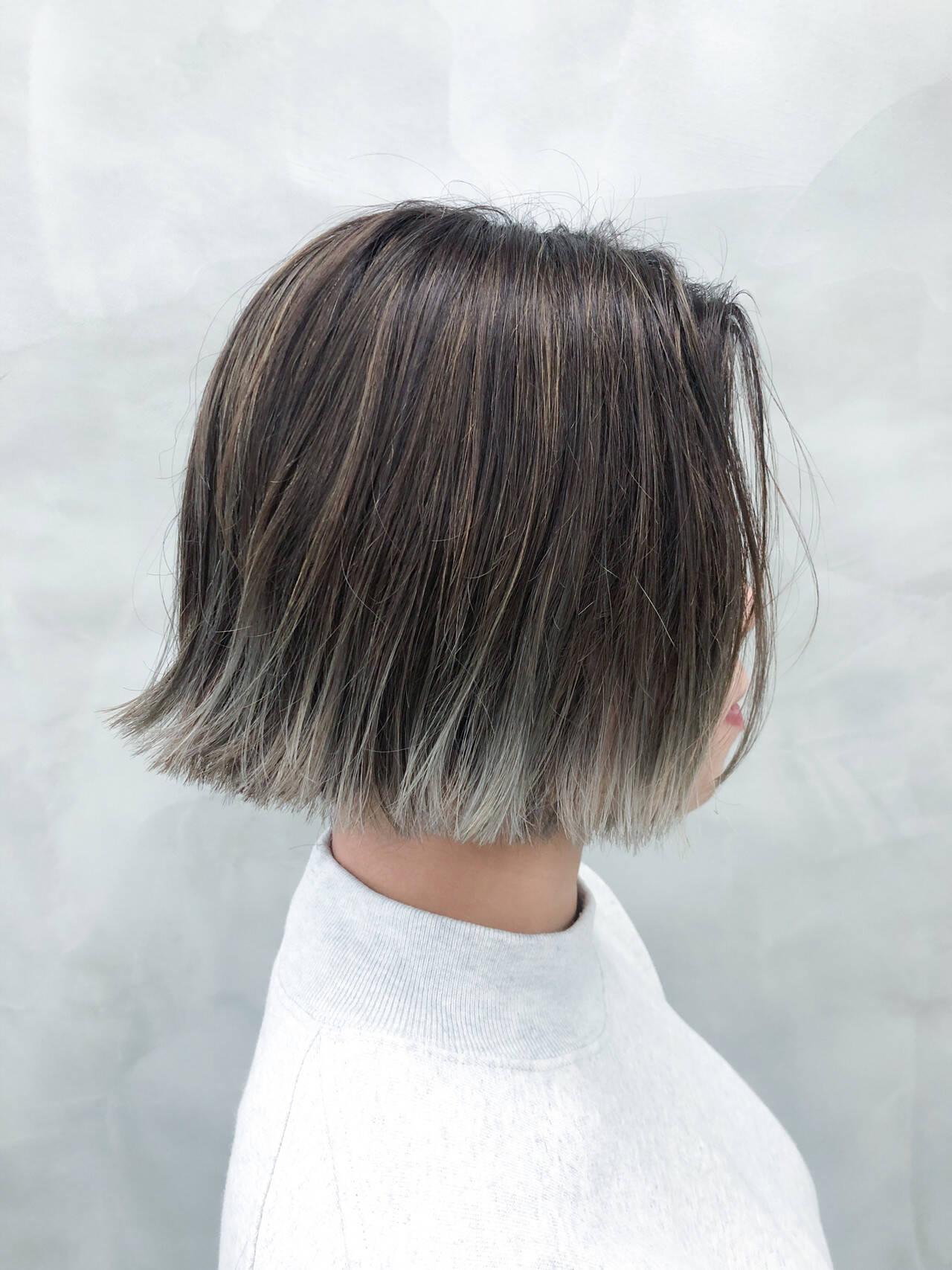 ダブルカラー モード ボブ 切りっぱなしボブヘアスタイルや髪型の写真・画像