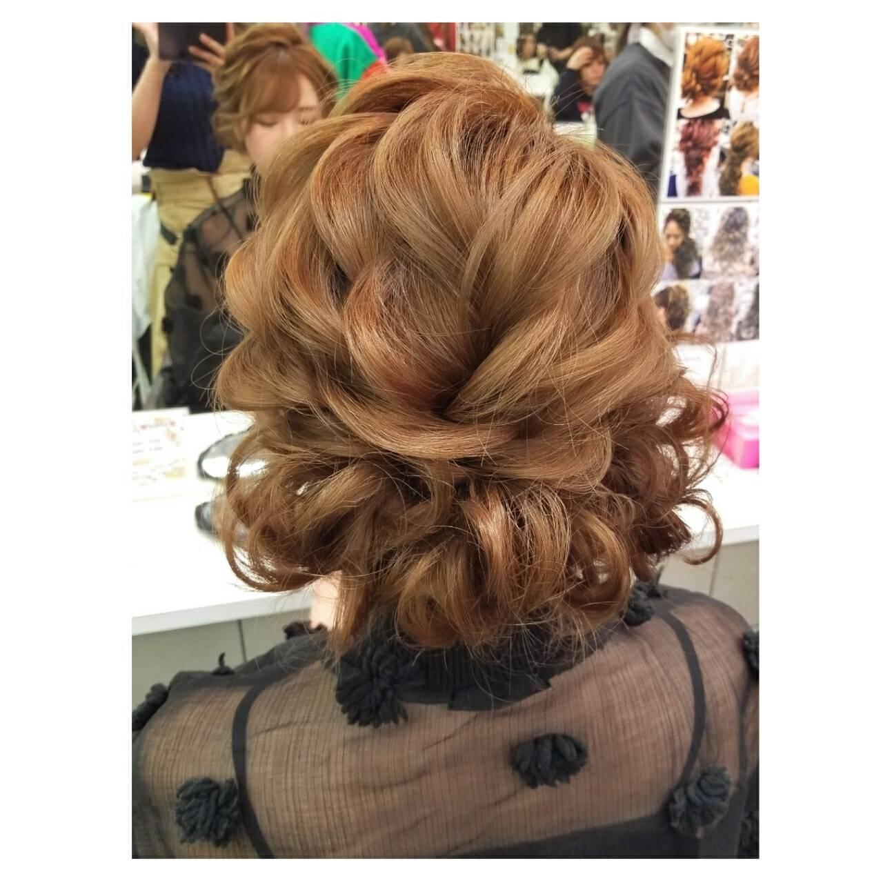 ミディアム 冬 フェミニン 結婚式ヘアスタイルや髪型の写真・画像