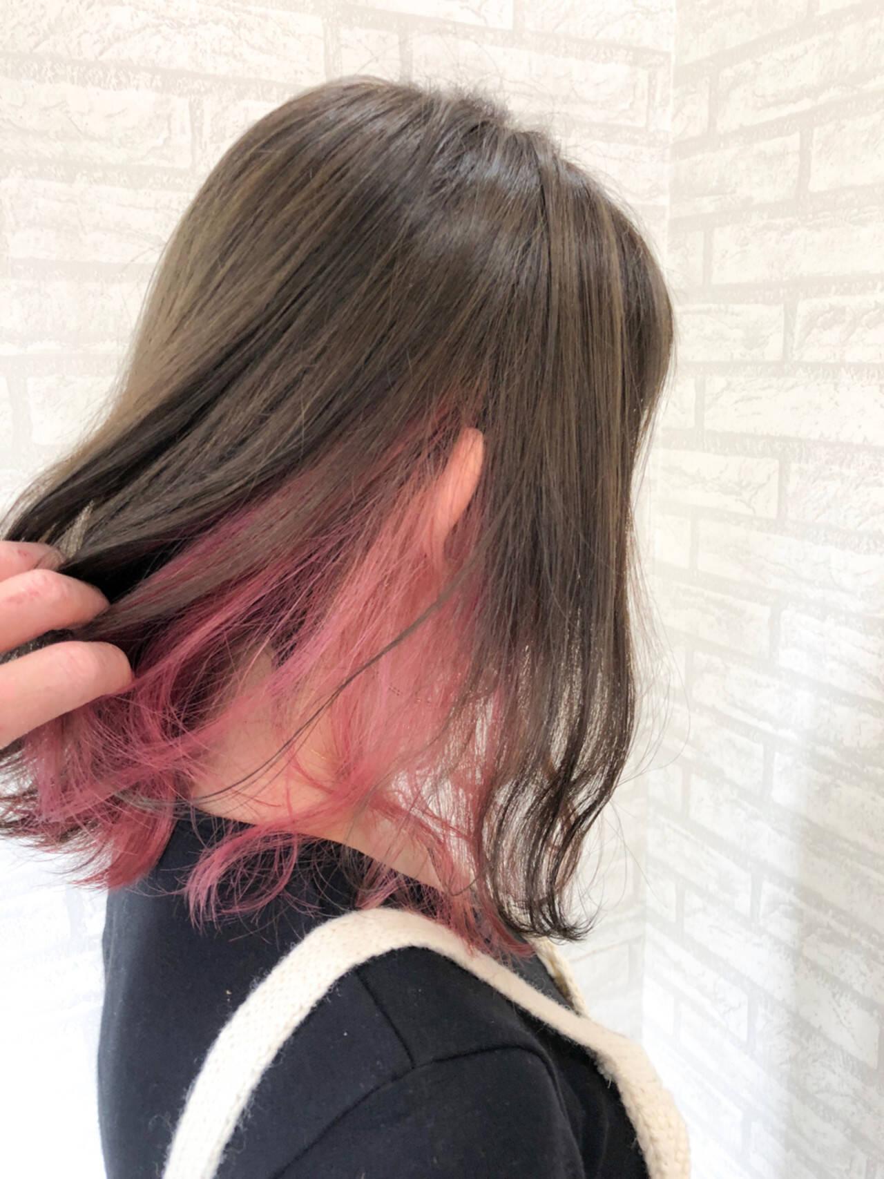 夏 ミディアム 涼しげ インナーカラーヘアスタイルや髪型の写真・画像
