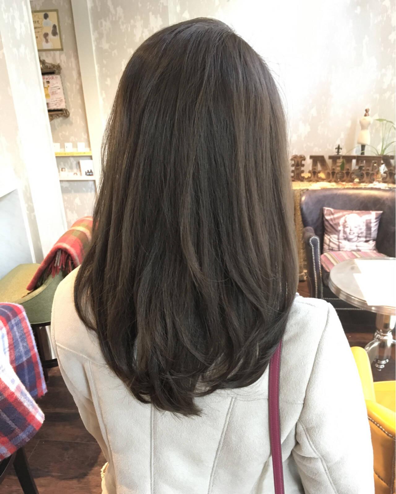 外国人風 コンサバ 黒髪 ゆるふわヘアスタイルや髪型の写真・画像