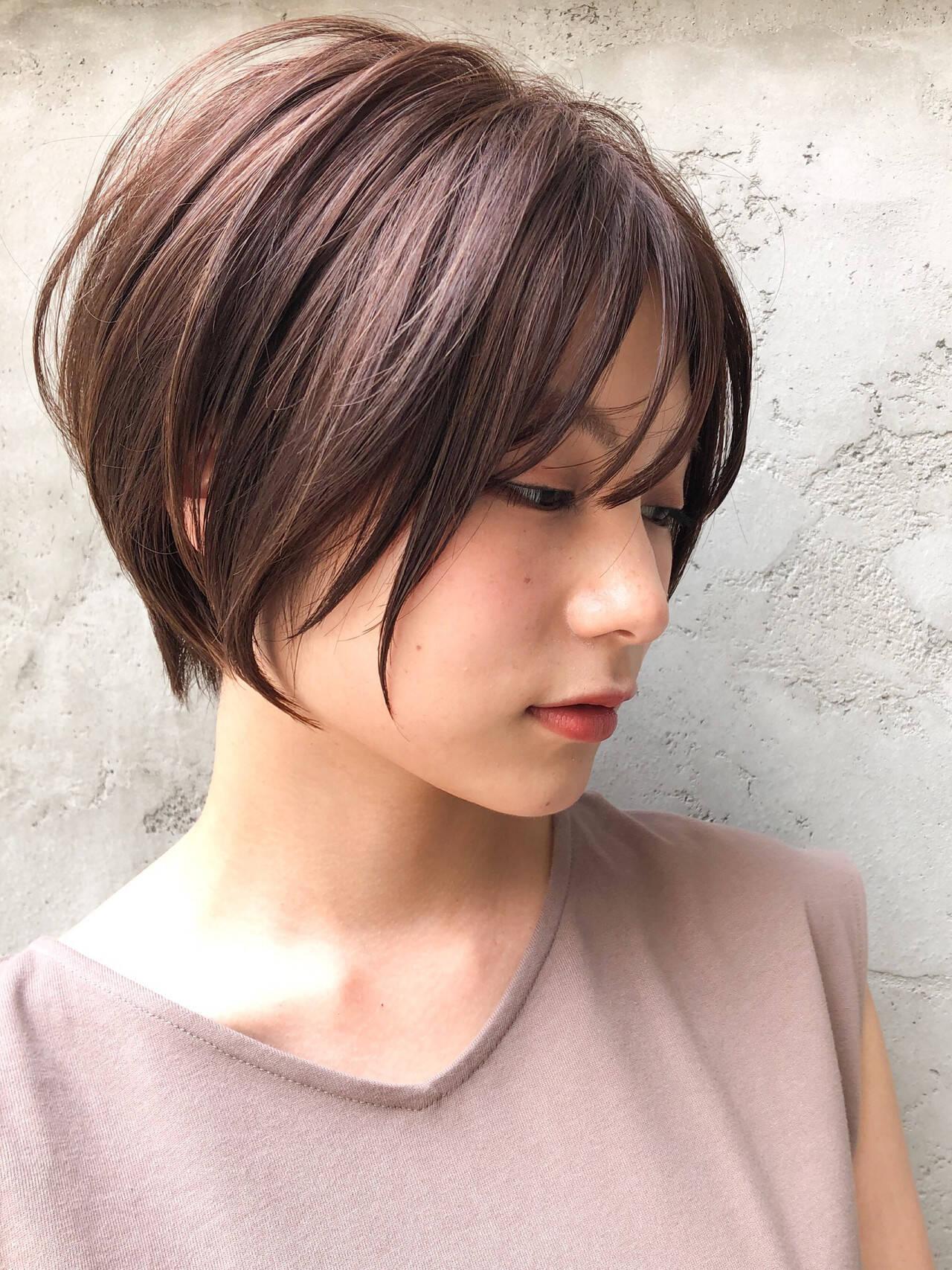 お団子アレンジ ブラントカット パーマ インナーカラーヘアスタイルや髪型の写真・画像