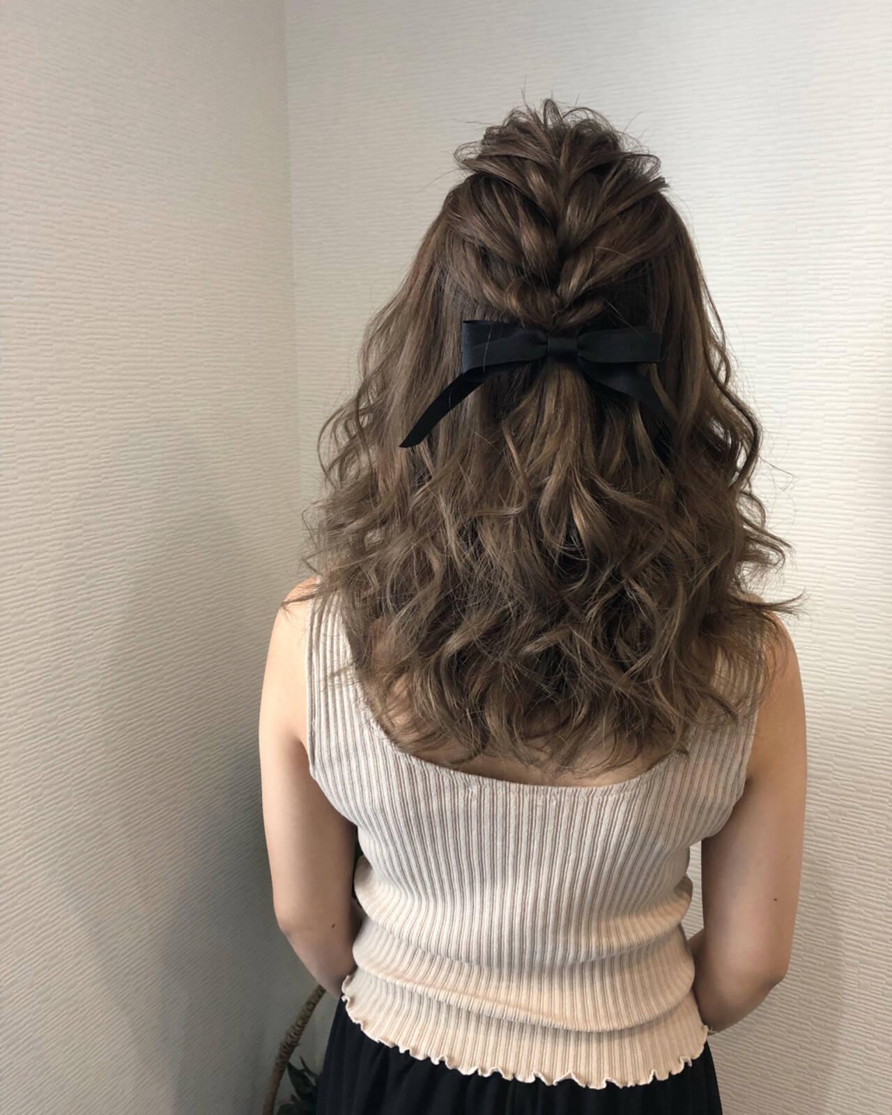 ヘアアレンジ ミディアム 前髪アレンジ 編み込みヘアスタイルや髪型の写真・画像
