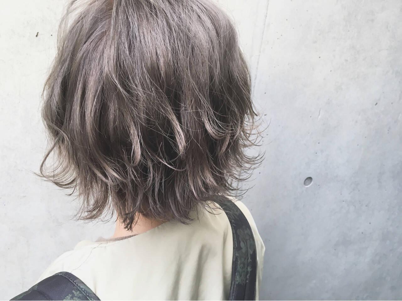 カーキアッシュ 外国人風カラー ストリート オリーブアッシュヘアスタイルや髪型の写真・画像