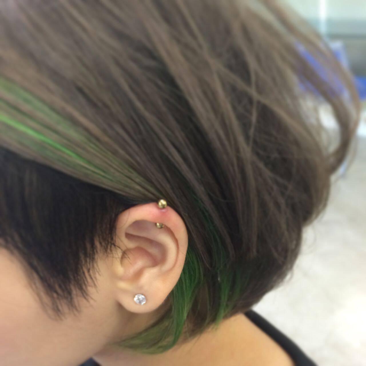 耳かけ ストリート ハイライト ダブルカラーヘアスタイルや髪型の写真・画像