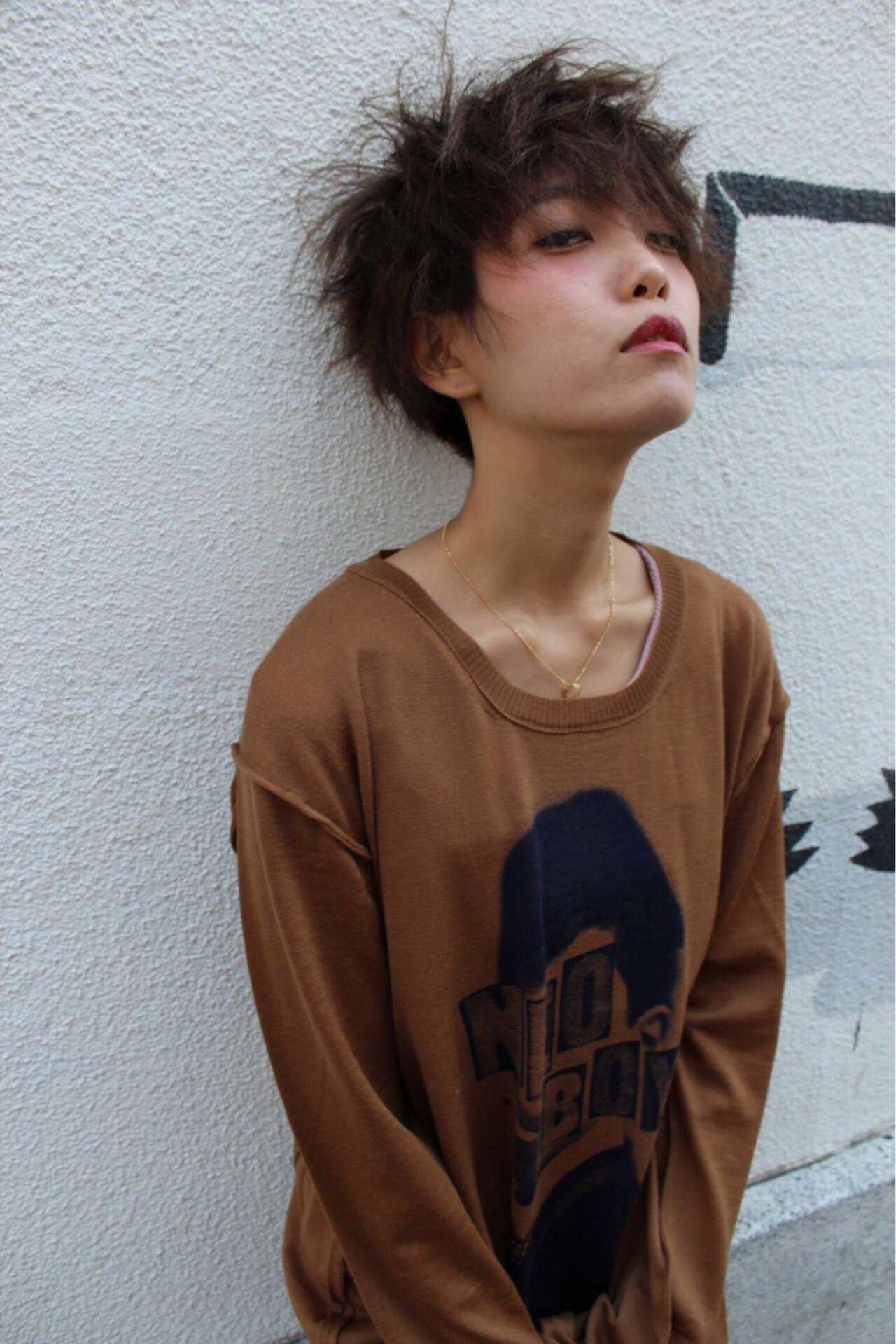 モード 暗髪 パーマ 黒髪ヘアスタイルや髪型の写真・画像