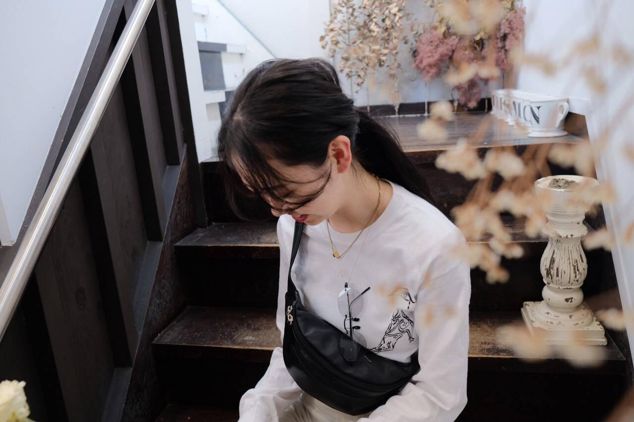 シースルーバング 黒髪 ロング 束感バングヘアスタイルや髪型の写真・画像