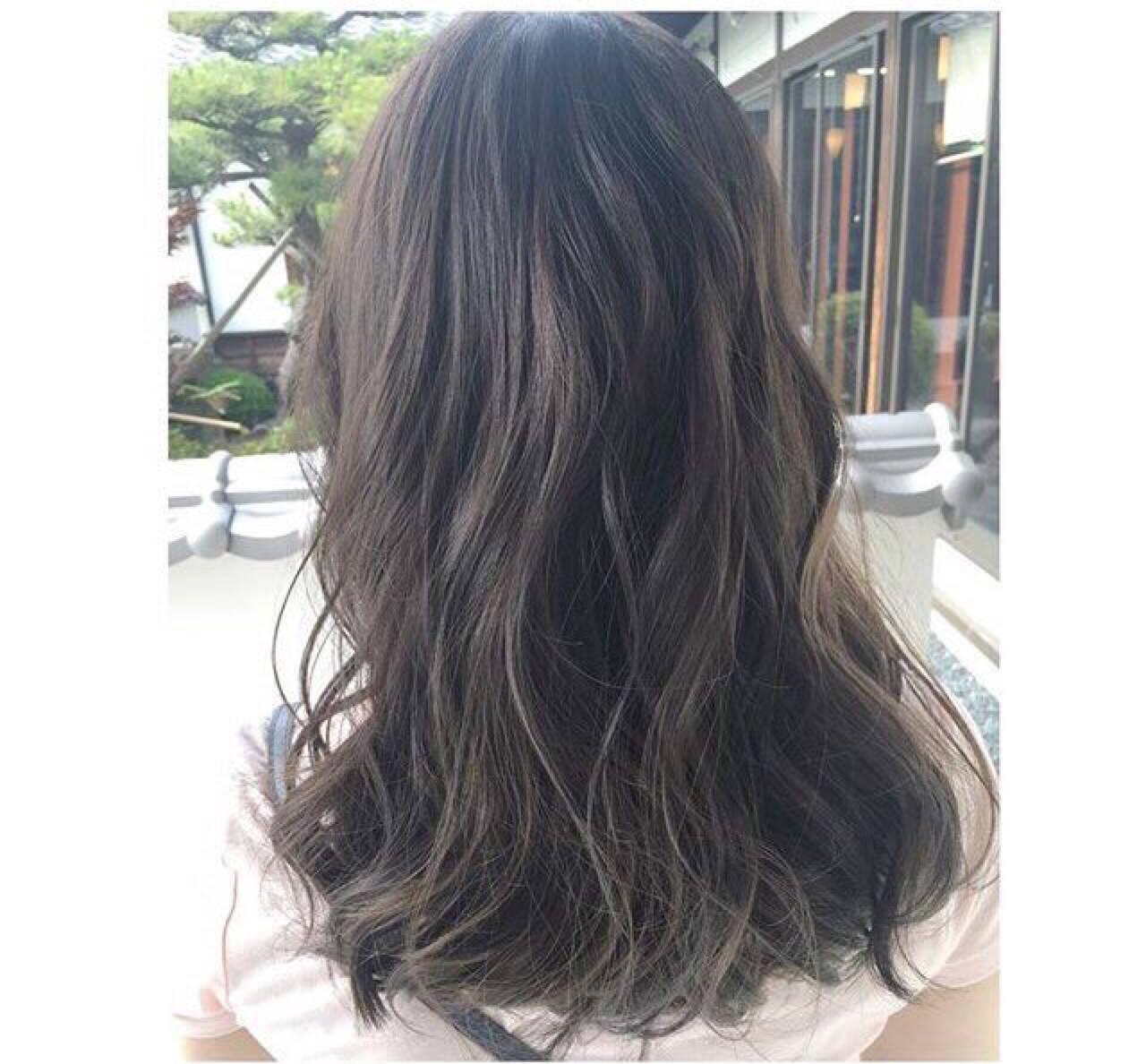 外国人風カラー グレージュ ハイライト ロングヘアスタイルや髪型の写真・画像