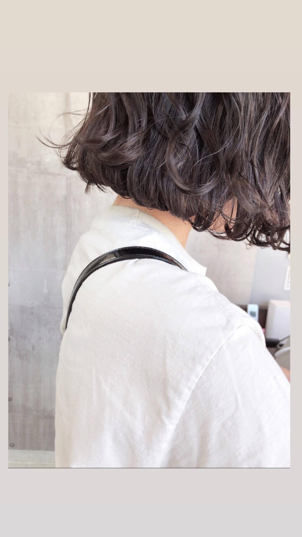 ウェーブ なみウェーブ アンニュイほつれヘア ショートヘアスタイルや髪型の写真・画像