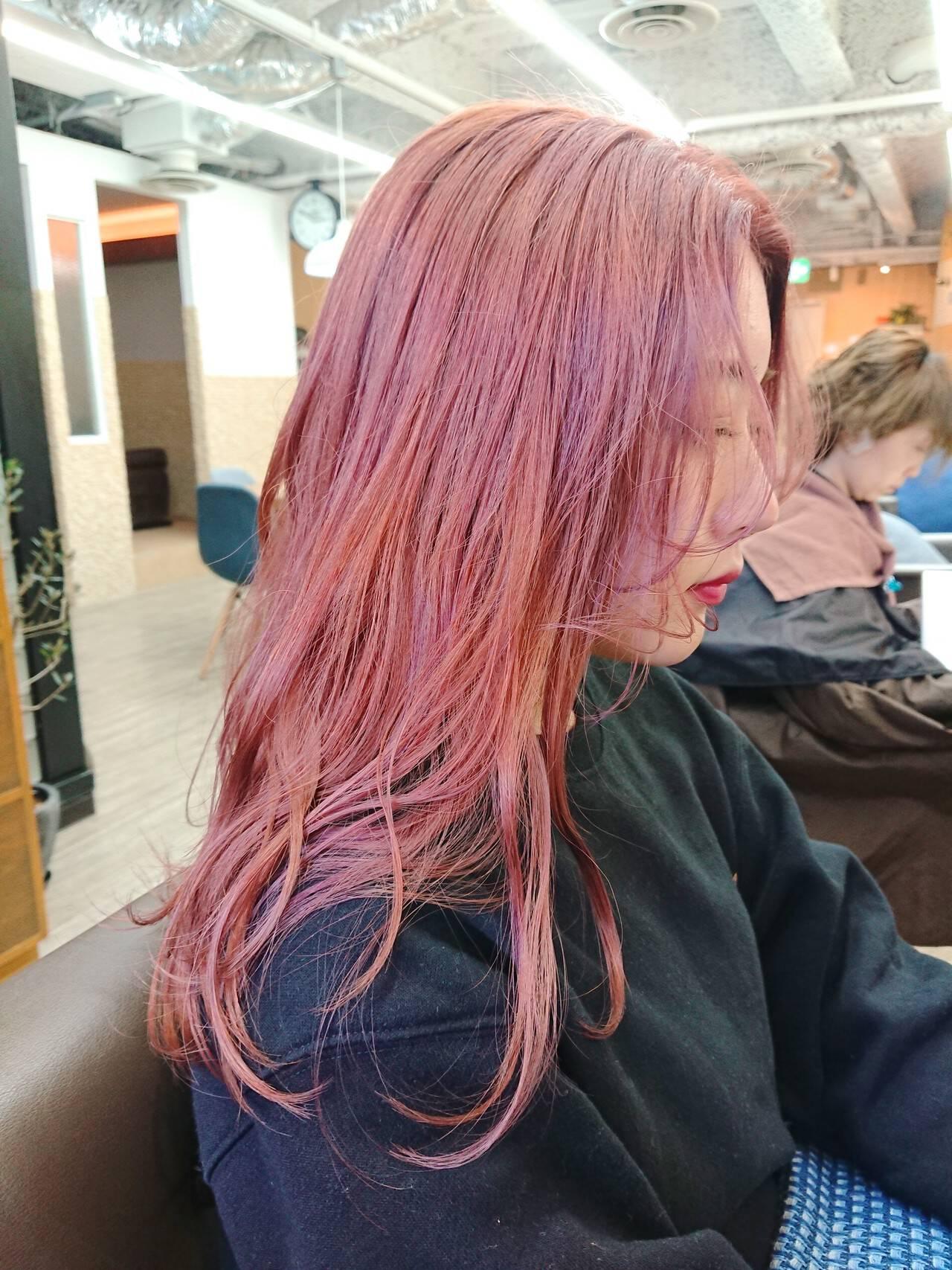 ブリーチカラー ピンクカラー セミロング TOKIOトリートメントヘアスタイルや髪型の写真・画像