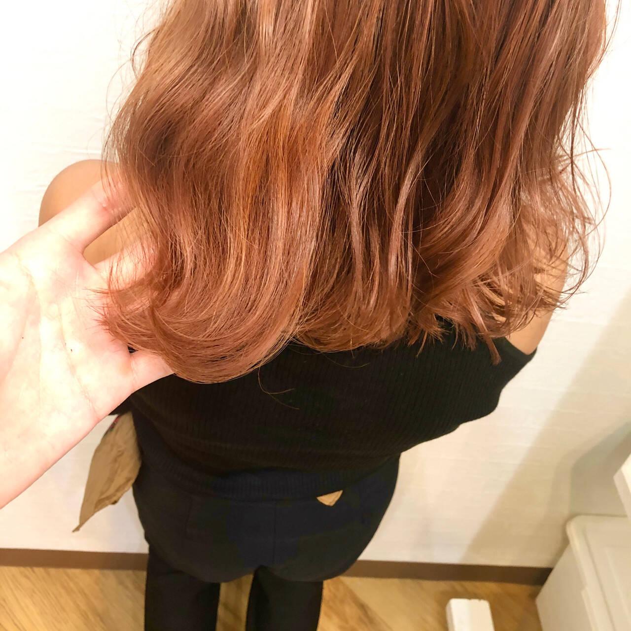 オレンジベージュ ガーリー ブリーチオンカラー ハロウィンカラーヘアスタイルや髪型の写真・画像