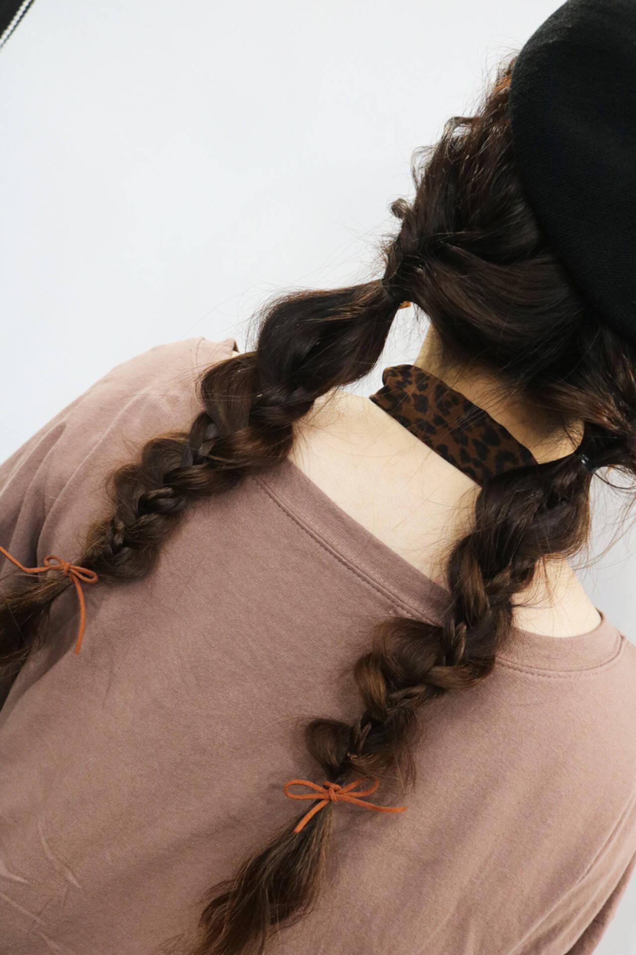 デート ロング 編みおろしヘア ナチュラルヘアスタイルや髪型の写真・画像