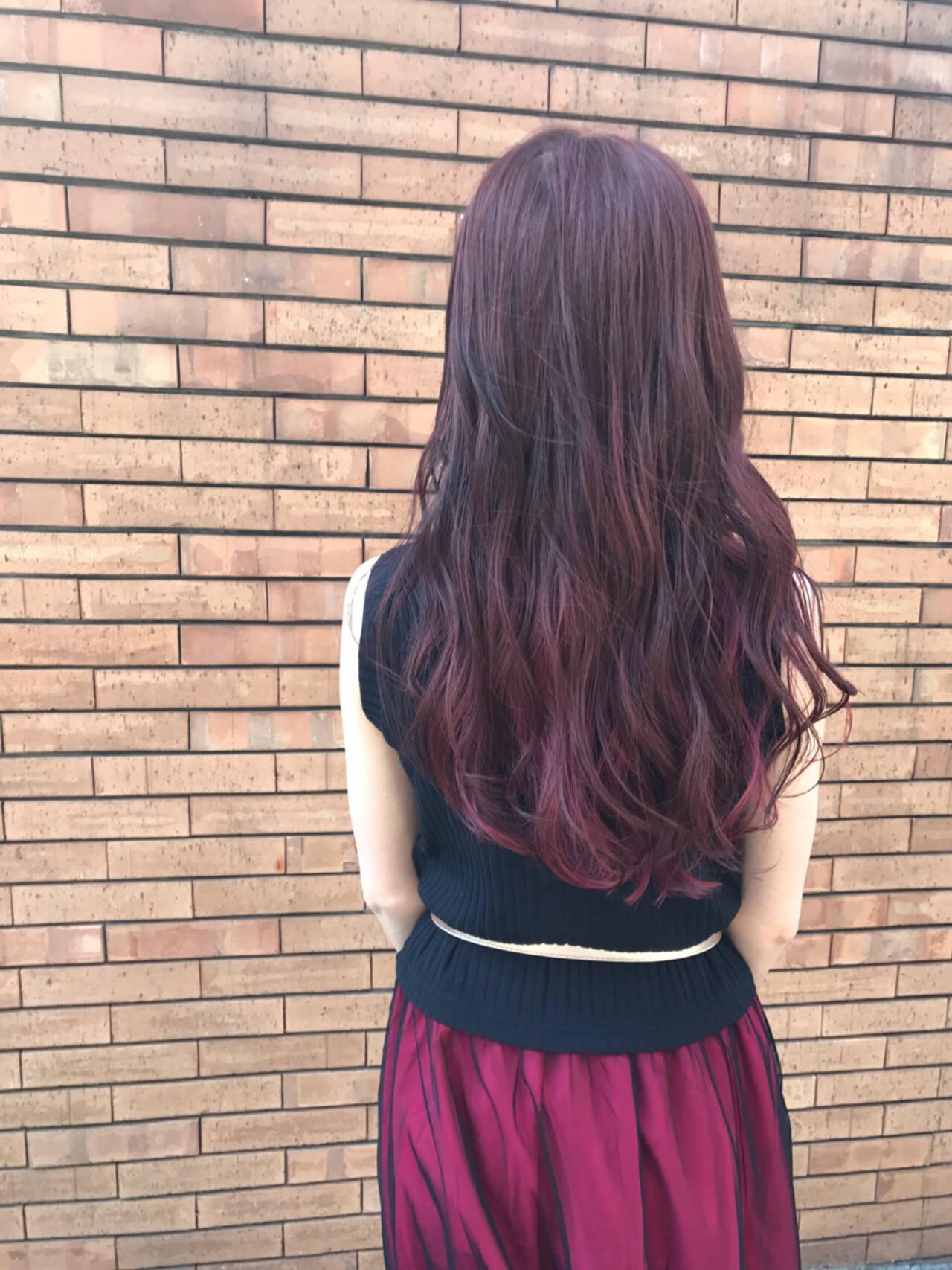 アンニュイ ピンク インナーカラー レッドヘアスタイルや髪型の写真・画像