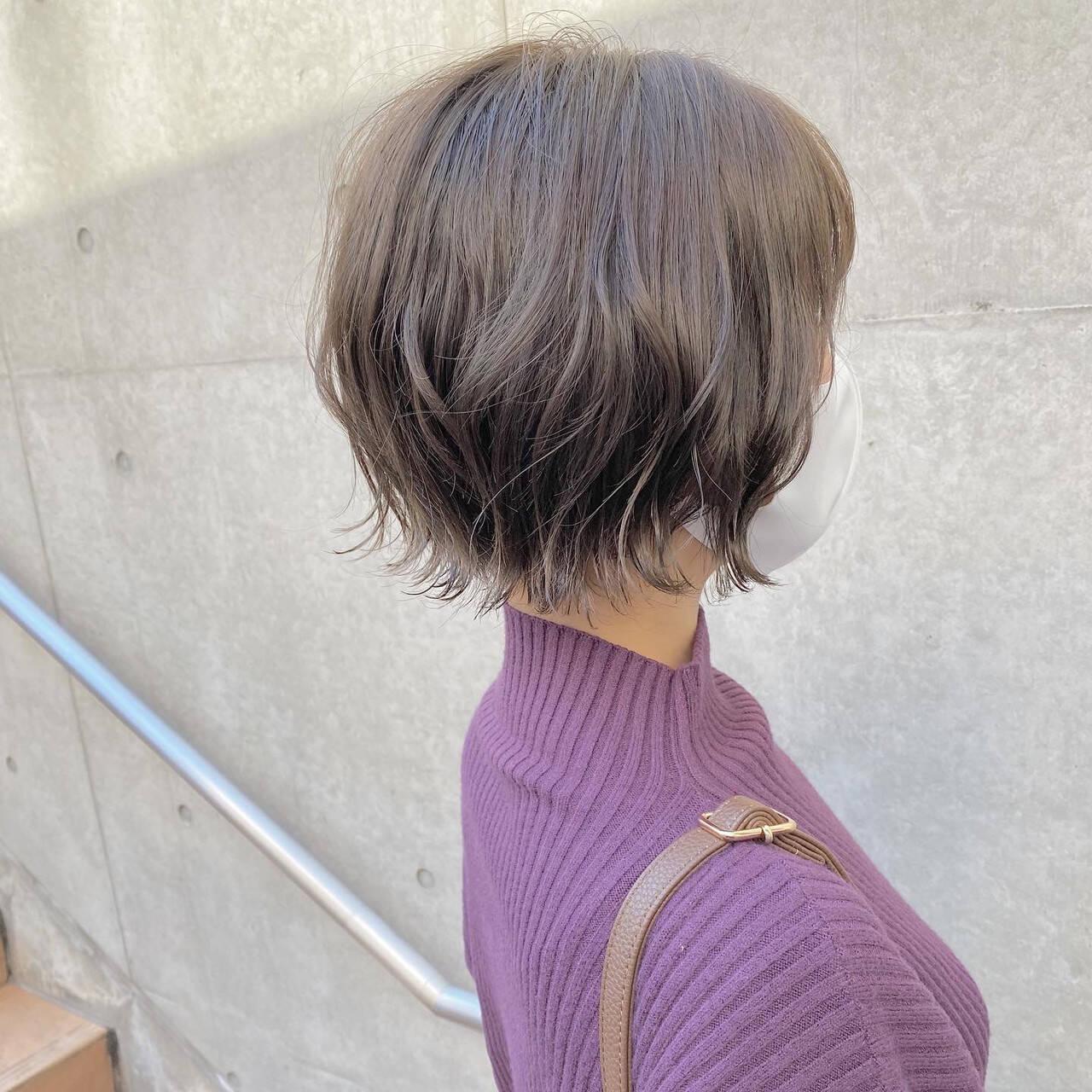 ボブ 切りっぱなしボブ  パーマヘアスタイルや髪型の写真・画像