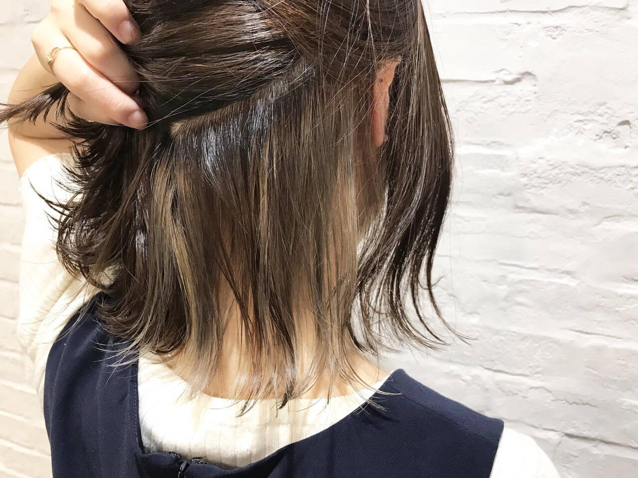 ミルクティーベージュ インナーカラー ナチュラル ミルクティーヘアスタイルや髪型の写真・画像