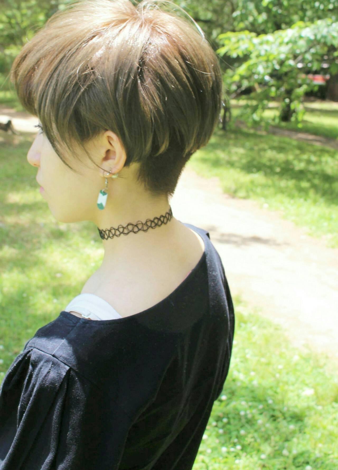 ハイトーンカラー ショート ベリーショート ツーブロックヘアスタイルや髪型の写真・画像