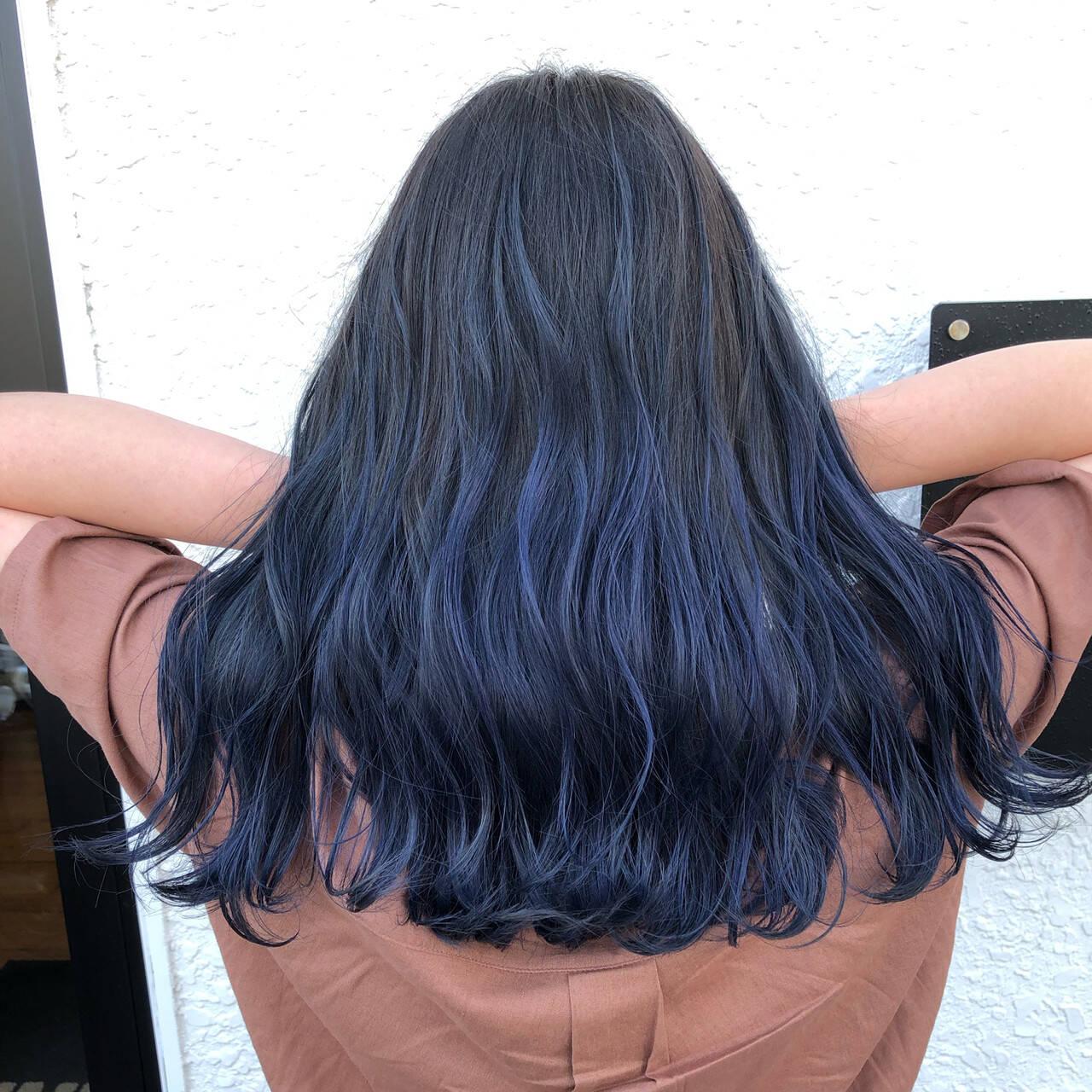 ブルー バレイヤージュ ブリーチ 外国人風カラーヘアスタイルや髪型の写真・画像