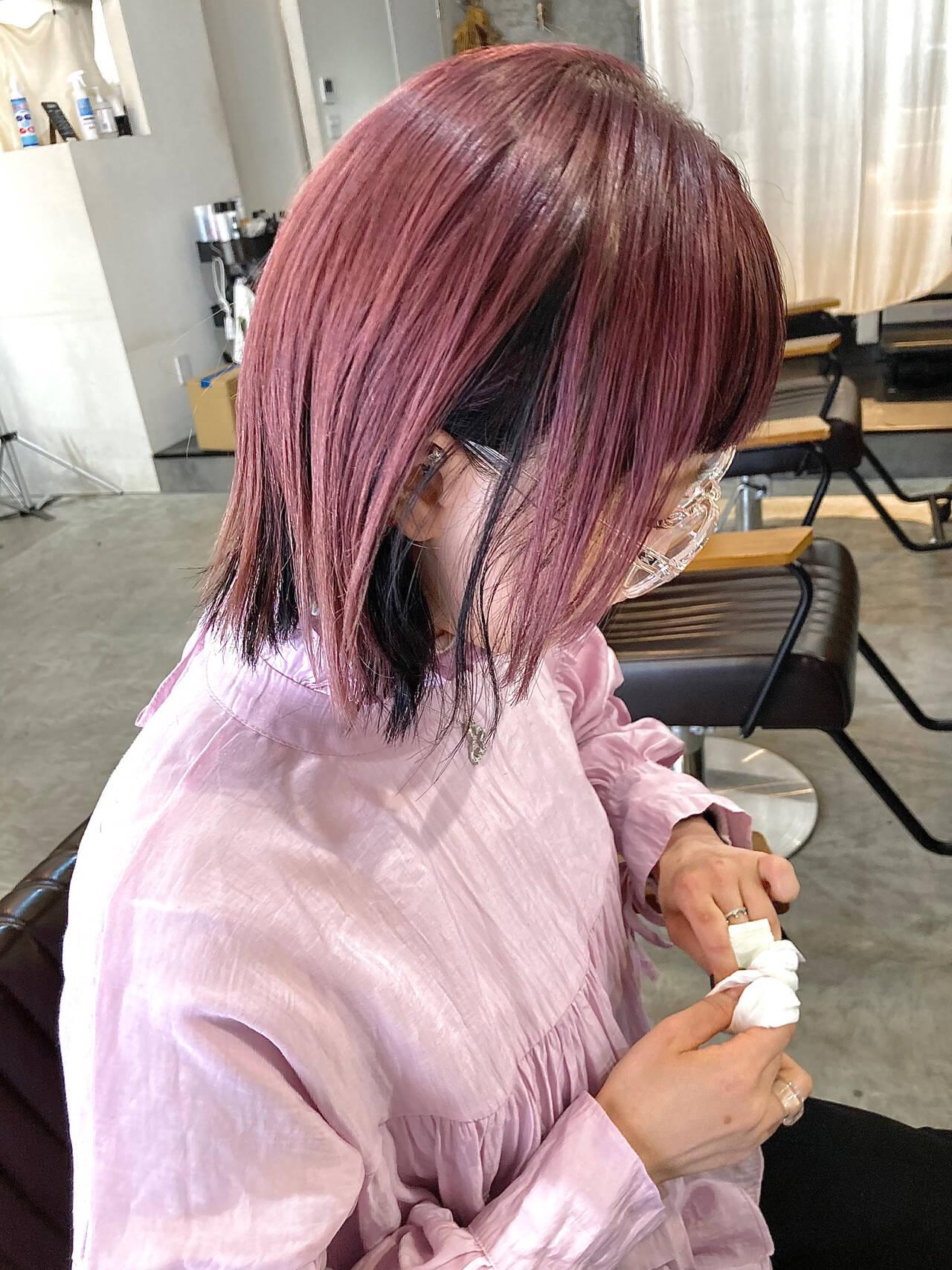 ラベンダーアッシュ ブリーチカラー フォギーアッシュ インナーカラーヘアスタイルや髪型の写真・画像