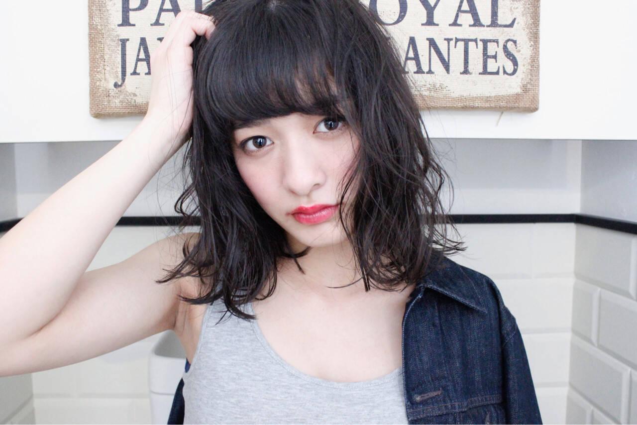 前髪あり ミルクティー アッシュ ミディアムヘアスタイルや髪型の写真・画像