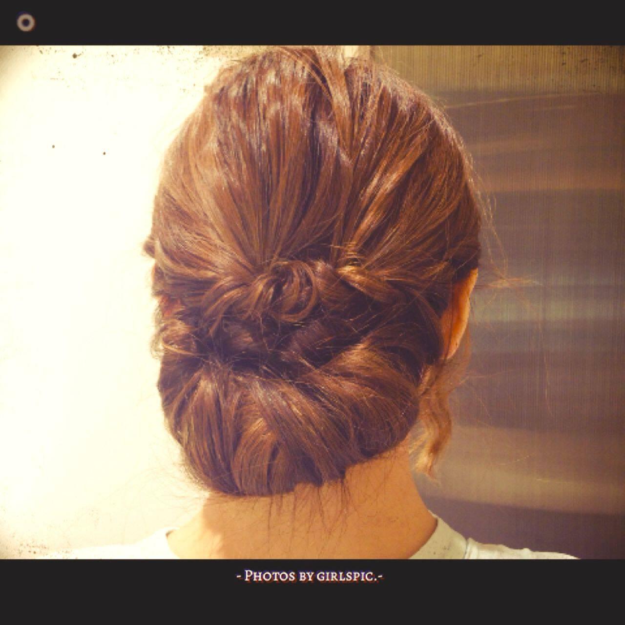 ルーズ ギブソンタック くるりんぱ ヘアアレンジヘアスタイルや髪型の写真・画像