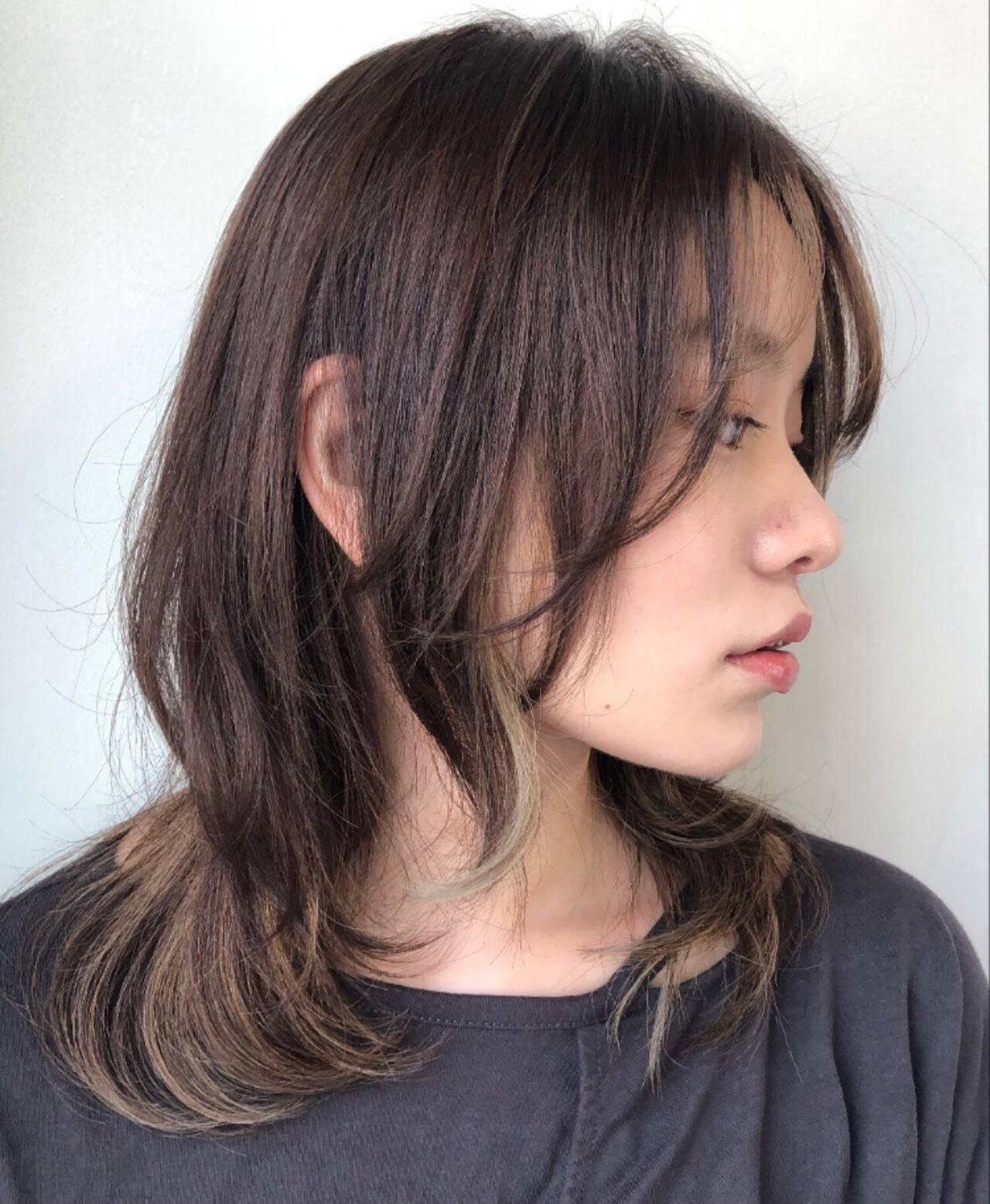 ニュアンスウルフ フェミニンウルフ ニュアンスパーマ インナーカラーヘアスタイルや髪型の写真・画像