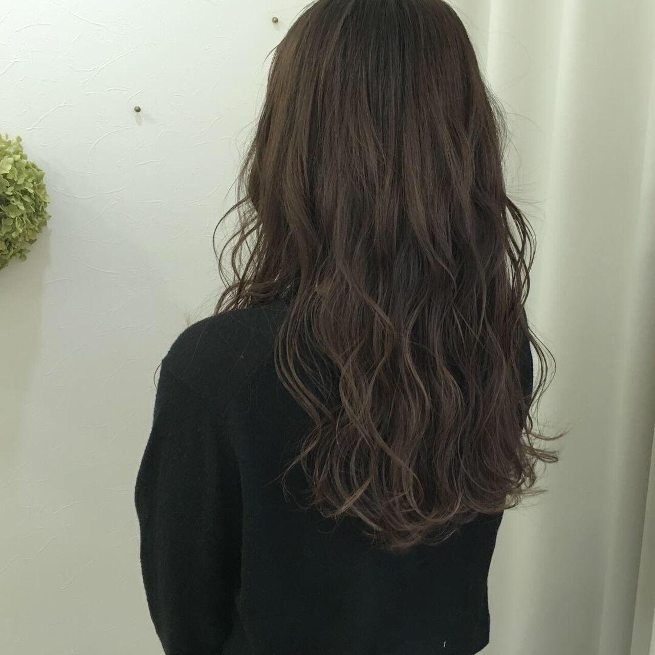 バレイヤージュ 外国人風カラー アッシュグレージュ ハイライトヘアスタイルや髪型の写真・画像