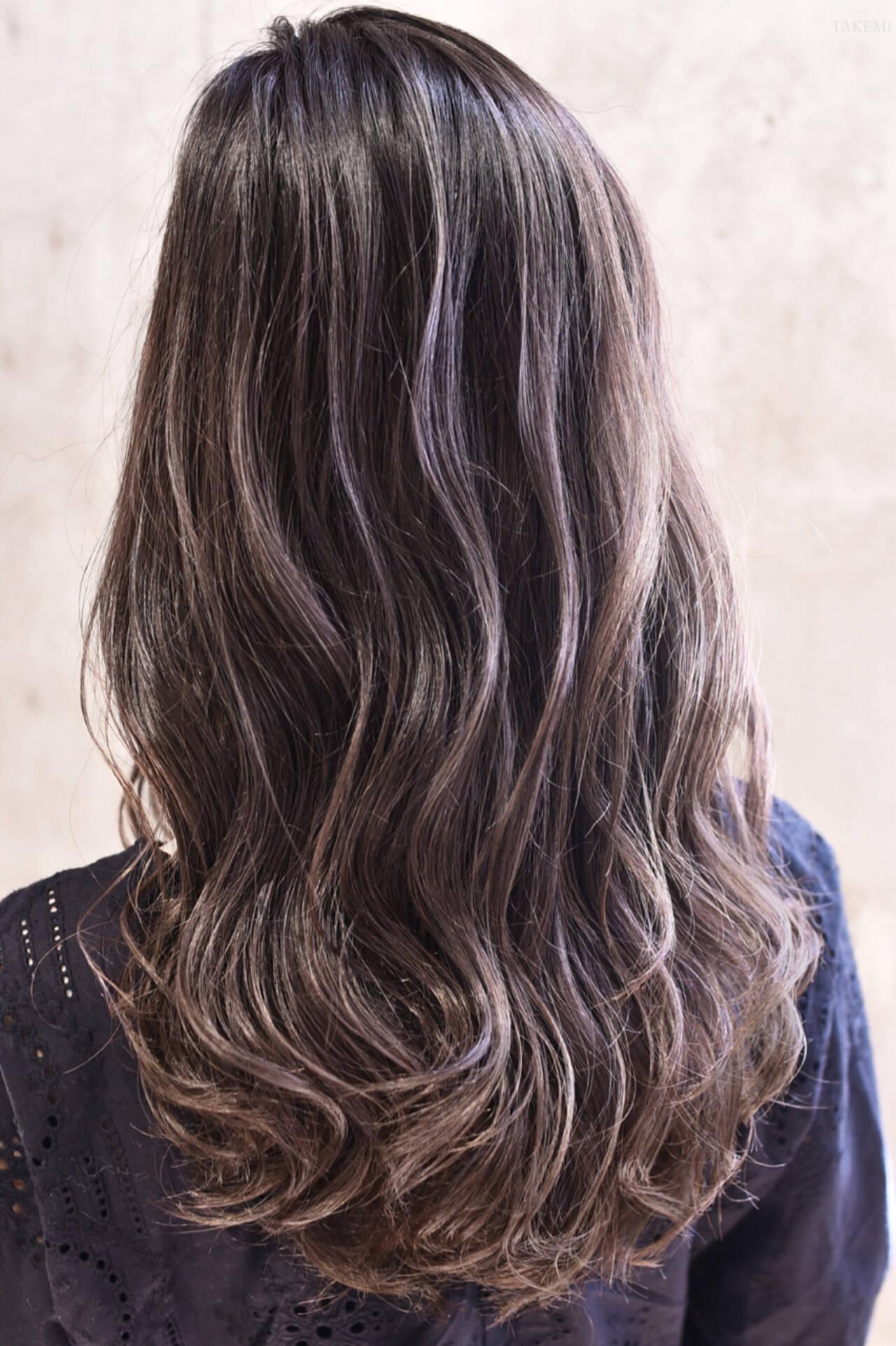 セミロング ハイライト ダブルカラー バレイヤージュヘアスタイルや髪型の写真・画像
