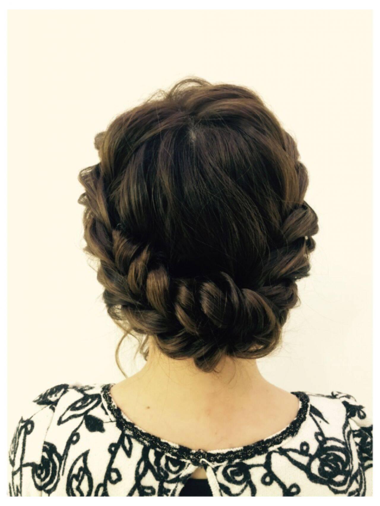 ヘアアレンジ ねじり ラフ ロープ編みヘアスタイルや髪型の写真・画像