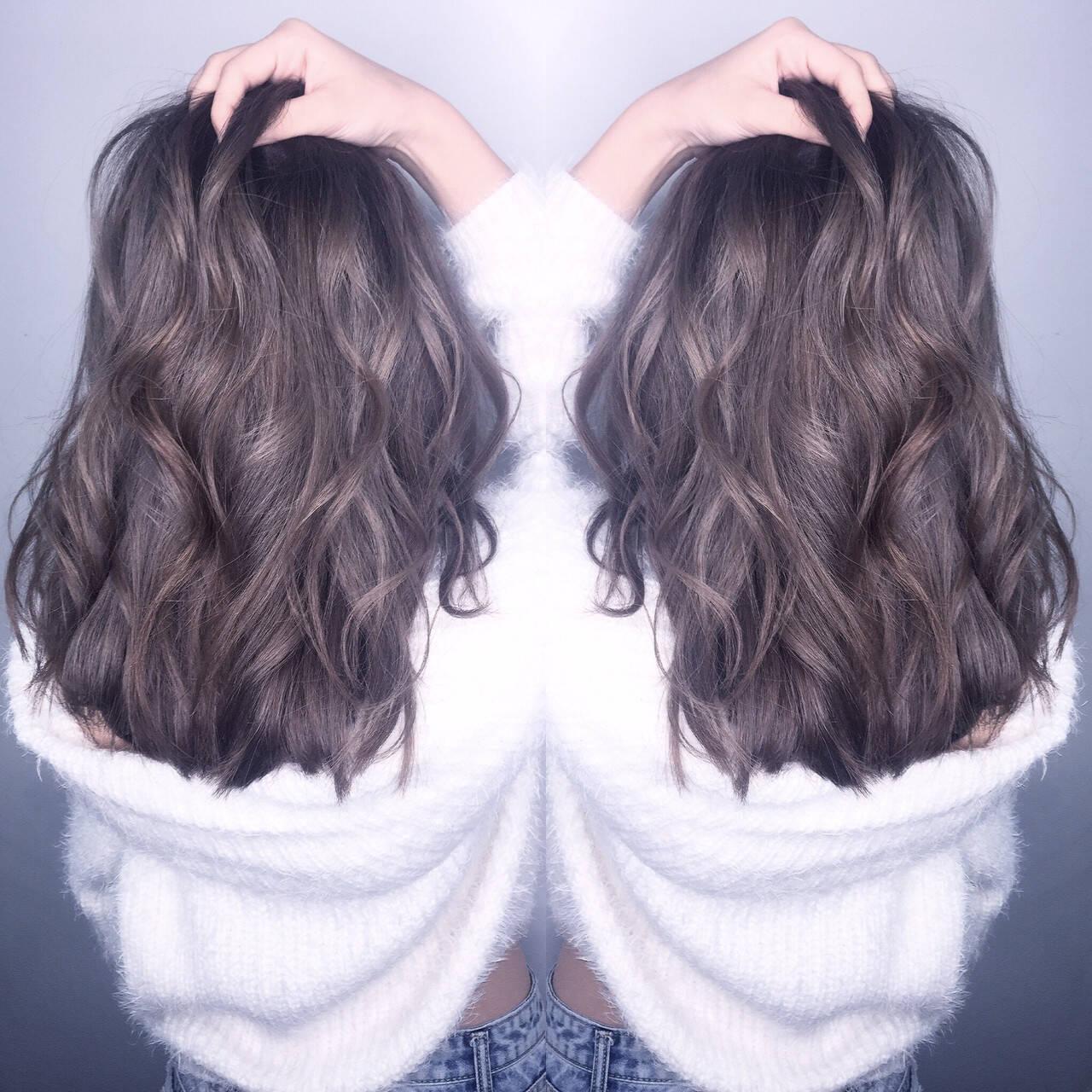 ナチュラル アッシュグレー アッシュグレージュ ミルクティーグレージュヘアスタイルや髪型の写真・画像